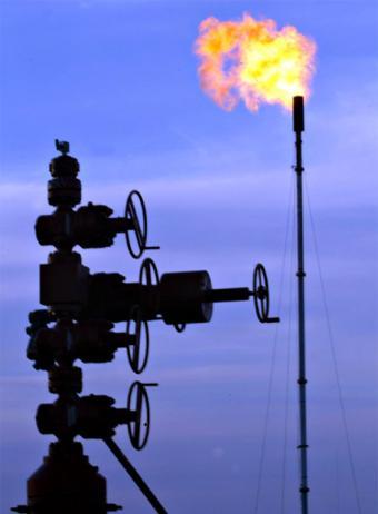 controlador_flujo_explotacion_petroleo_gas_natural