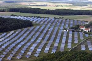 campo de paneles solares